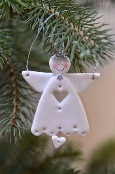 Could do this with air-dry clay or Fimo . Angel Crafts, Christmas Projects, Holiday Crafts, Christmas Makes, Christmas Angels, Christmas Tree Ornaments, Salt Dough Christmas Decorations, Diy Ornaments, Beautiful Christmas