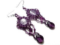 Boucles d'oreilles brodées perles Murano et cristaux Swarovski violet prune haute couture : Boucles d'oreille par bijouxdart