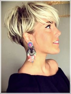 26 Pixie Hairstyles Don't Care About Your Hair Short Pixie Haircuts for Thick Hair - Get Your Inspiration for 2019 - Short Pixie Latest Pixie Cuts for Round Face You'll Love for Summer 2019 - Short Pixie CutsBest Short Haircuts trends and Pixie Haircut For Thick Hair, Short Hairstyles For Thick Hair, Short Pixie Haircuts, Curly Hair Cuts, Curly Hair Styles, Bob Haircuts, Blonde Short Hair Pixie, Haircut Short, Elegant Hairstyles