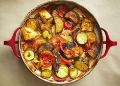 Briam ( Greek medley of baked vegetables); with a bit of grilled chicken and you've got a perfect meal for an easy night with friends. Vegetable Recipes, Vegetarian Recipes, Cooking Recipes, Healthy Recipes, Greek Vegetables, Baked Vegetables, Baked Eggplant, Eggplant Zucchini, Vegetables