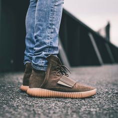 """adidas YEEZY Boost 750 """"Chocolate"""" Sporty Outfits, Sporty Style, Athletic Outfits, Winter Outfits, Summer Outfits, Cute Outfits, Work Outfits, Summer Clothes, Athletic Shoes"""