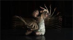 Choros, o filme experimental dirigido por Michael Langan explora a dinâmica e a narrativa dos movimentos do corpo da dançarina Terah Maher.