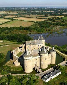 Castelo de Suscinio: símbolo da alteridade bretã