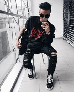 edgy mens fashion that look trendy Latest Mens Fashion, Urban Fashion, Fashion Outfits, Fashion Tips, Fashion Design, Fashion Trends, Fashion Photo, Guy Outfits, Men's Fashion