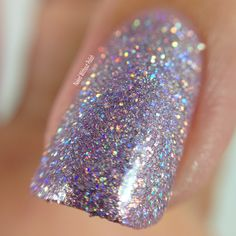 Macro of SuperChic Lacquer Skin Tight with Holo-POP and Marvel Liquid Macro top coat @wonderbeautypro