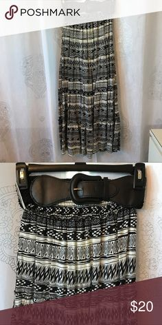 Maxi skirt Black and white flowy maxi skirt with belt Skirts Maxi