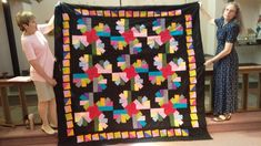 Front of Laura's quilt by Connie Backus-Yoder Picnic Blanket, Outdoor Blanket, Quilts, Quilt Sets, Quilt, Log Cabin Quilts, Lap Quilts, Quilling, Picnic Quilt