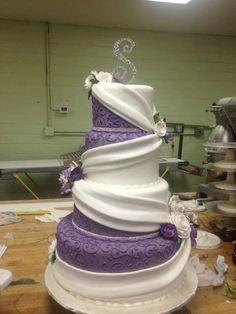 *Purple and white wedding cake. Except I'd change the purple to my wedding color :) Purple Wedding Cakes, Beautiful Wedding Cakes, Gorgeous Cakes, Pretty Cakes, Amazing Cakes, Dream Wedding, Royal Purple Wedding, Purple Cakes, Wedding Cupcakes