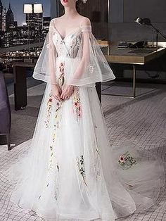 Beautiful Wedding Dresses Spaghetti Straps Sweep/Brush Train Sexy Bridal Gown JKS258