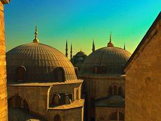 Istanbul, la Moschea Bluvista da Aya Sofia al tramonto.
