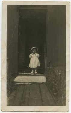 Little girl in the doorway | Flickr - Photo Sharing!