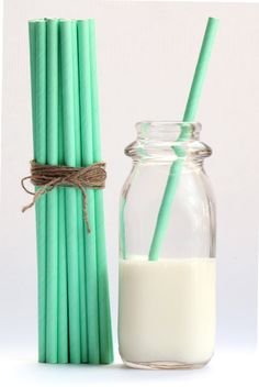 Mint Green Solid Paper Straws (Set of 25) - SmashCake Studio. $4.50, via Etsy.  multiple colors for ice cream bar :)