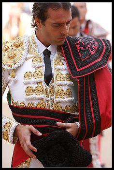 Matador Costume, Daphne Costume, Spanish Heritage, Spanish Style, We Are The World, Folk Costume, Glamour, Traditional Dresses, Nice Dresses