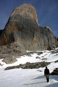 Urriellu , Picos de Europa  Astúrias  Spain Asturian, Asturias Spain, Paraiso Natural, South Of Spain, Escalade, Cities, Mountain Landscape, Rock Climbing, Wonderful Places