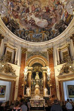 Valencia - oldtown  - Inside  Basílica de la Virgen de los Desamparados