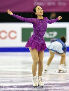 女子SP 演技を終えてあいさつする浅田 (800×1061) http://www.nikkansports.com/sports/figure/asada-mao/photo/article/1578479.html
