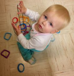 If you're like me and have a very busy one-year-old, you might need some new activities to keep them entertained. I found these on Pinter...