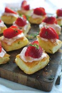 Puff pastry strawBites