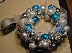 How to; Make a Christmas Ball Wreath