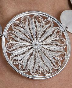 The filigree is traditional of México Work of The artesans made by hand