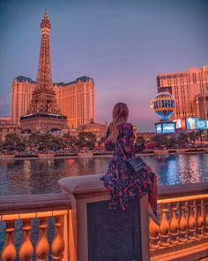 las vegas travel guide from the bellagio hotel Best Las Vegas Hotels, Las Vegas Vacation, Luxor, Last Vegas, Vegas Fun, Las Vegas City, Las Vegas Travel Guide, Travel Vegas, Bar Restaurant Design