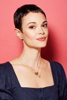 These are the 6 hottest summer hair trends from L. - and that& how you style them - The 6 coolest summer hair trends from L. to style # - Undercut Pixie With Bangs, Short Pixie Haircuts, Pixie Hairstyles, Summer Hairstyles, Short Hair Cuts, Short Hair Styles, Zendaya Hairstyles, Really Short Haircuts, Prom Hairstyles