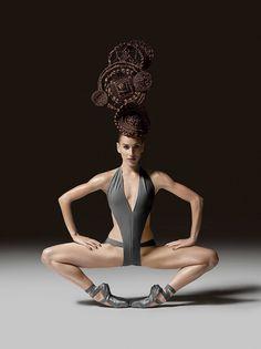 Ballerina Abigail Simon - Joffrey Ballet - Photo by Luis Alvarez Photography Creative Hairstyles, Cool Hairstyles, Joffrey Ballet, Avant Garde Hair, Arte Tribal, Photo Portrait, Fantasy Hair, Crazy Hair, Dance Photography
