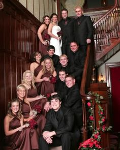 Remember this for a wedding picture idea at our house, Robinson girls!