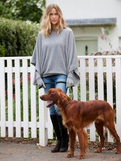 Willow Cashmere for the finest quality cashmere wraps, cashmere scarves and cashmere clothing. Cashmere Poncho, Cashmere Wrap, Grey Poncho, Winter Warmers, Winter Outfits, Winter Clothes, Fashion News, Looks Great, Winter Fashion