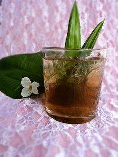 Lemon Grass and Pandan Leave Ice-Tea; I'm loving all things Southeast Asian right now My Recipes, Cooking Recipes, Thai Recipes, Lemongrass Tea, Expensive Coffee, Discount Coffee, Filipino Recipes, Filipino Food