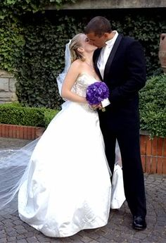 """Sabrina, The Teenage Witch"" actress Melissa Joan Hart wed Mark Wilkerson on July 19, 2004 at the Grand Hotel Villa Cora in Florence, Italy."