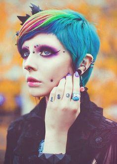 She's beautiful #Alternative #Piercings #GirlswithTattoos