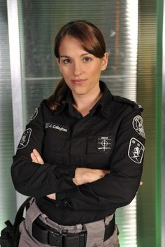 """Amy Jo Johnson held her own with a bunch of men in Flashpoint. The word """"strong"""" isn't even enough to describe her capabilities. Pink Ranger Kimberly, Spice Girls Outfits, Kimberly Hart, Amy Jo Johnson, Power Rengers, Drama Tv Series, Mighty Morphin Power Rangers, Canadian Actresses, My Crush"""