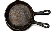 To restore the finish on your cast iron, watch this cleaning tip. What's your favorite food to cook in cast iron? Rusted Cast Iron Skillet, Fruit Crumble, Freezer Burn, How To Remove Rust, Cast Iron Cookware, Kitchen Tops, Iron Pan, Kitchen Hacks, Kitchen Ideas