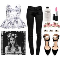 Lana Del Rey concert outfit--so loving every part of this!!
