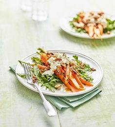 Möhren mit Rucola, körnigem Frischkäse und Mandelkrokant von Einfach Hausgemacht, Mein Magazin für Haus und Küche
