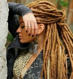 LIKE THE COLOR OF HER DREDS-NEAT & WELL CARED FOR!