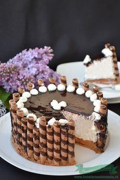 Cheesecake cu mascarpone Dessert Decoration, My Dessert, Cookie Recipes, Dessert Recipes, Romanian Desserts, Sweet Pastries, Just Desserts, Sweet Recipes, Cupcake Cakes