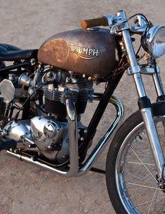 Triumph , clean lines Triumph Bobber, Triumph Chopper, Triumph Cafe Racer, Bobber Motorcycle, Cafe Racers, Cool Motorcycles, Motorcycle Design, Motorcycle Outfit, Triumph Motorcycles