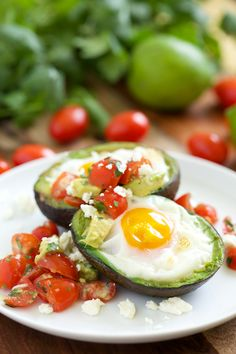 Mexican Baked Avocado Eggs from Gourmet Innovations what a great spin on eggs baked in avocados! Or if you're in a hurry, you can just scramble egg and avocado and serve w picante sauce. Egg Recipes, Paleo Recipes, Mexican Food Recipes, Cooking Recipes, Mexican Dishes, Avocado Egg Bake, Baked Avocado, Avocado Salad, Clean Eating