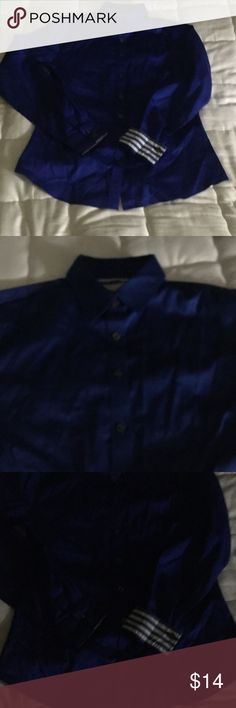 Top Banana republic no wrinkled fitted button down shirt in royal blue . New never worn . Only need ironing . All my listings accept the offer of 50% as I am leaving the country and only can take 2 suit cases with me so everything should go. Banana Republic Tops Button Down Shirts