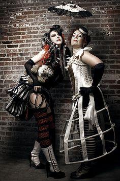 Circus Ladies / #dark_circus #night_circus #carnival