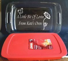 Personalized-Baking-Dish-Glass-Pyrex-Christmas-Gift-Anniversary-Birthday Glass Etching Stencils, Giving Plate, Laser Cutter Projects, Glass Engraving, Learn Calligraphy, Glass Baking Dish, Glass Blocks, Glass Dishes, Casserole Dishes