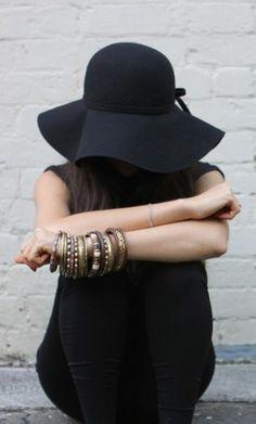 Sempre amei chapéu... E com essa moda agora eu estou apaixonada.