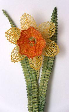 IMG_4725 Bobbin Lace Patterns, Embroidery Patterns, Doily Art, Lace Heart, Lace Jewelry, Cactus Plants, Doilies, Lace Detail, Crochet