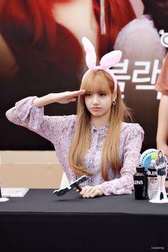 Jennie Blackpink, Blackpink Lisa, Forever Young, South Korean Girls, Korean Girl Groups, Blackpink Thailand, Thai Princess, Lisa Blackpink Wallpaper, Instyle Magazine