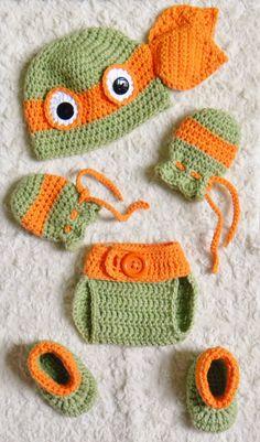 TMNT Ninja Turtles Crochet Baby 2-6 Piece Sets. by OhSoVeryKnotty Cute Crochet, Crochet Baby Boy Hat, Crochet Toddler, Crochet For Boys, Crochet Baby Clothes, Crochet Baby Stuff, Crochet Yarn, Baby Knitting, Crochet Baby Props