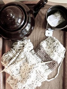 Lexalex: knitting and tea <3
