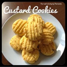 The road to loving my Thermomix: Custard Cookies / egg free ? Custard Biscuits, Custard Cookies, Oatmeal Biscuits, Easy Biscuits, Cinnamon Biscuits, Fluffy Biscuits, Homemade Biscuits, Biscuit Cake, Crack Crackers