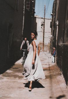 Helena Christensen in de Sable et de Soie, Vogue Paris May 1994  (photography… bb9a78865894
